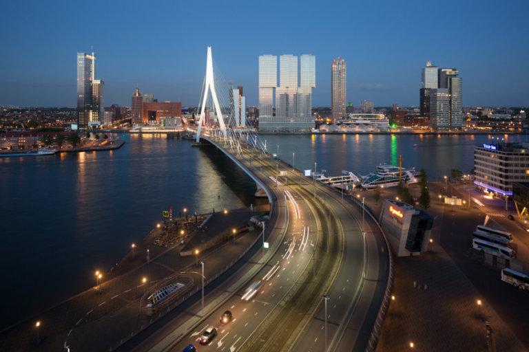 skyline-rotterdam-erasmusbrug-ossip-van-duivenbode-rotterdam-partners