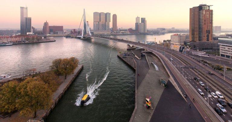 rotterdam-skyline-overview-erasmusbrug-watertaxi-rotterdam-partners